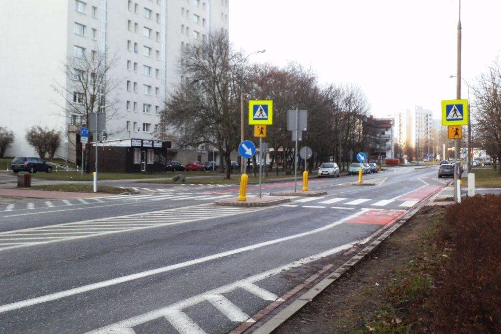 ul. Cynamonowa - przejście dla pieszych, pas roweorwy