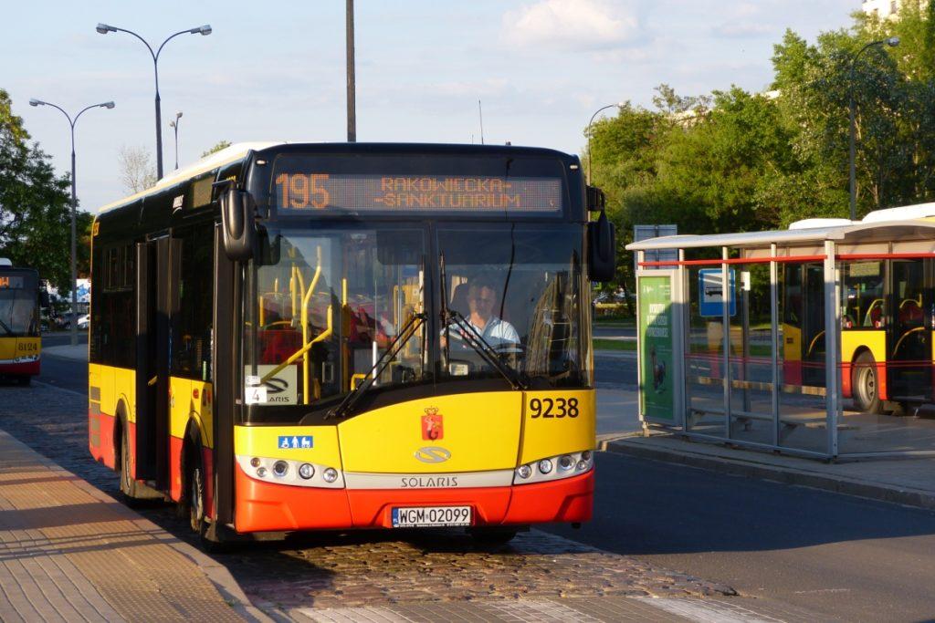 Pętla ZTM przy ul. Płaskowickiej, autobus 195